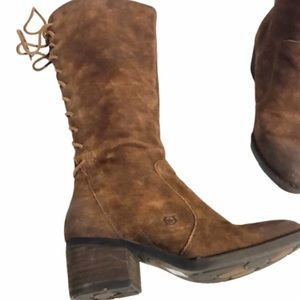 Born azurite suede leather tie up back boots 6.5